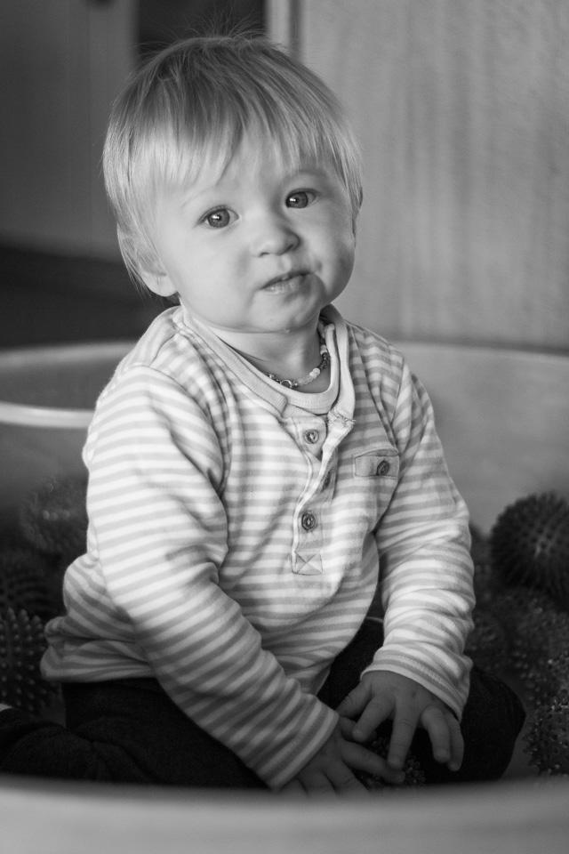 Portrait eines Jungen (Krippe) aus einer Kindergartenreportage/Kindergartenfotografie in Grupenhagen bei Hameln