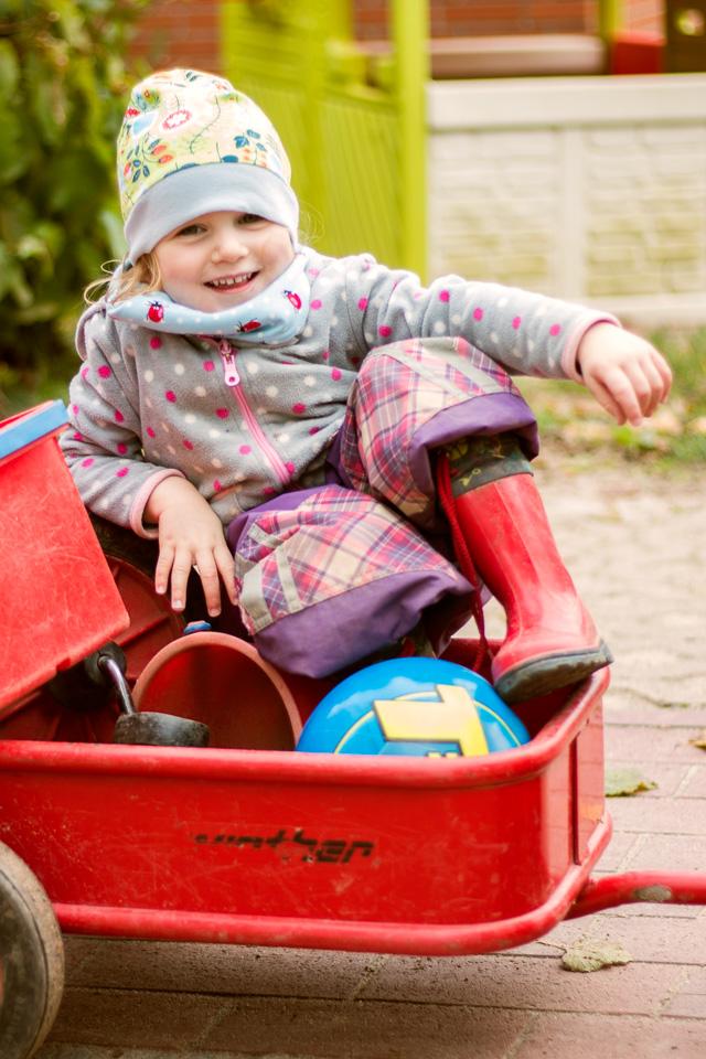 Portrait eines Mädchens aus einer Kindergartenreportage/Kindergartenfotografie in Grupenhagen bei Hameln
