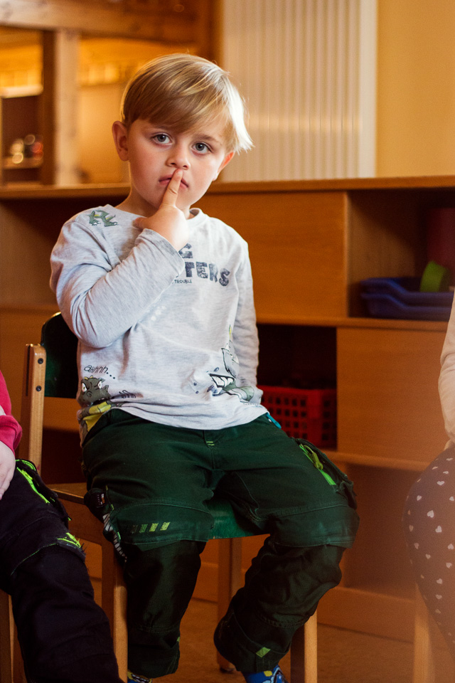 Portrait eines Jungen aus einer Kindergartenreportage/Kindergartenfotografie in Grupenhagen bei Hameln