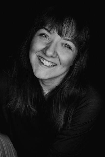 Portrait der Fotografin Vanessa von Wieding von Blickwinkel Fotografie in Emmerthal bei Hameln auf der Über-Mich-Seite